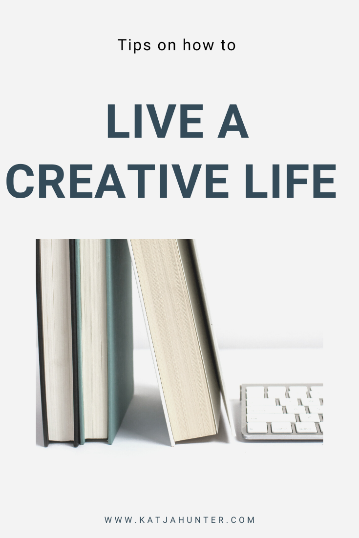 Read this post to get a few simple tips on how to live a more creative life. Living creatively doesn't have to be overwhelming. Start with small steps. You are probably being more creative than you think. Click through to get simple tips on how to live a creative life. #creativeliving #creativelife