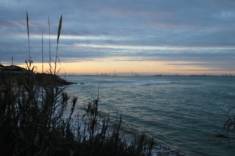 atardecer desde la playa de la calita en El Puerto de Santa María