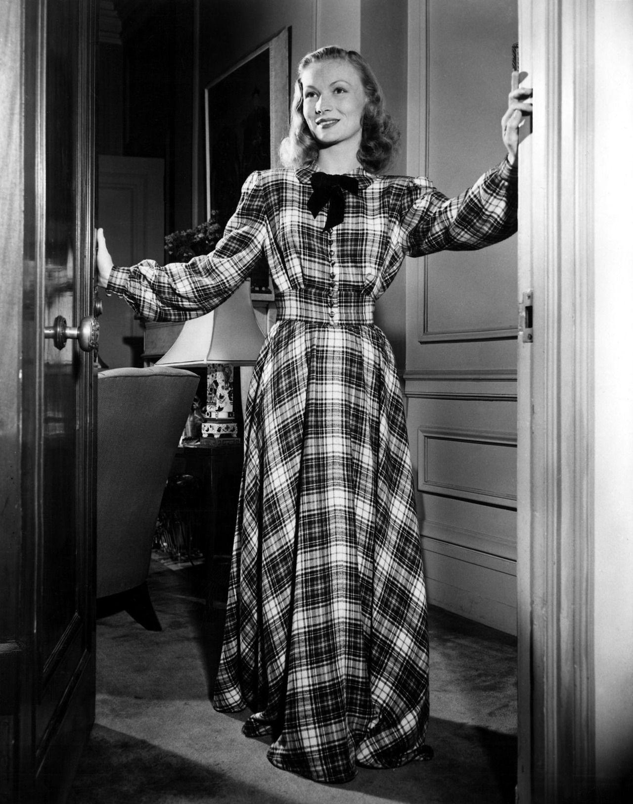 Veronica Lake- c.1940s