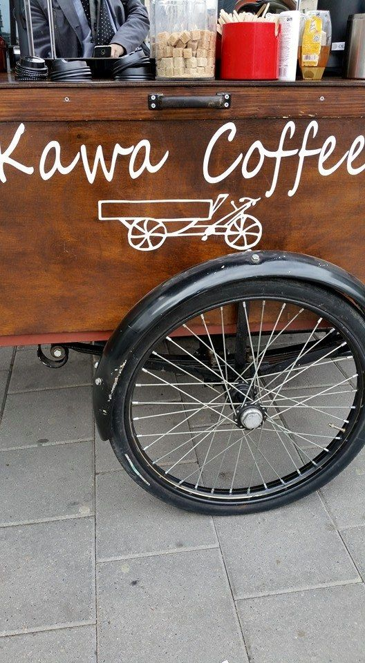 This adorable little cart named Kawa coffee serves a delicious Brazilian in the city of Utrecht.