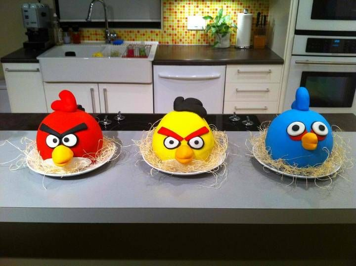 angry birds cakes!