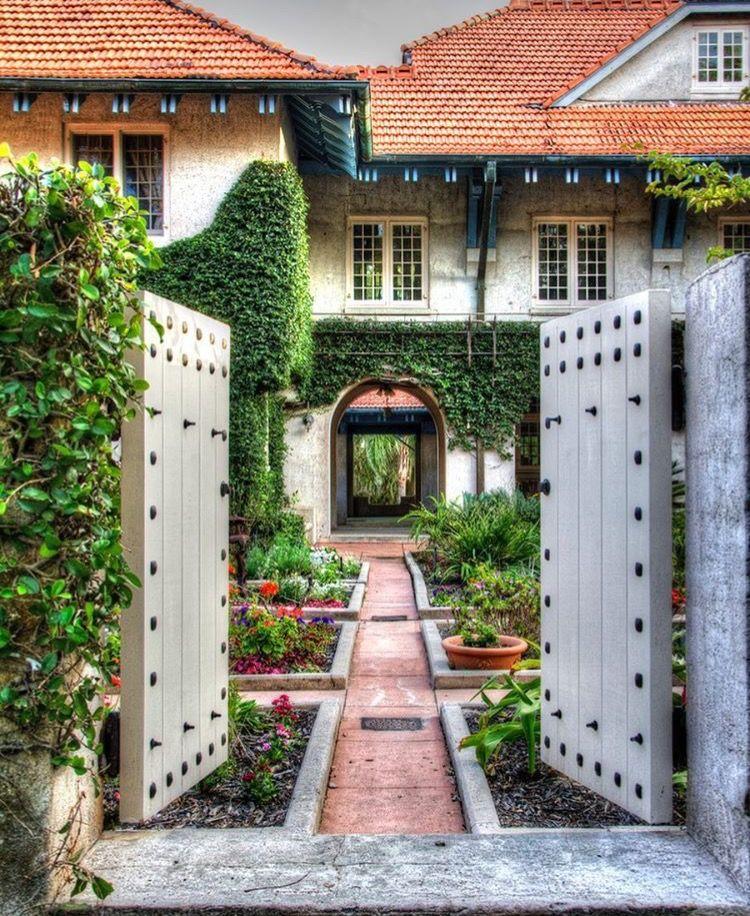 Sydonie Mansion Mt Dora Florida
