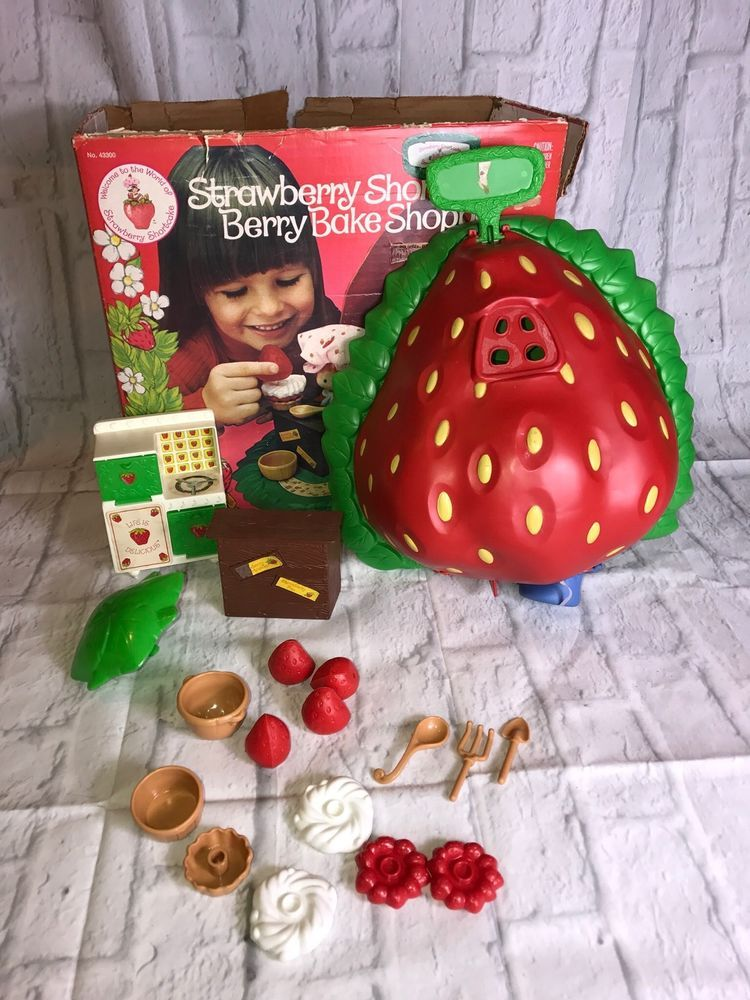 Vintage 1980 Kenner Strawberry Shortcake Berry Bake Shoppe Play Set Collectible   | eBay