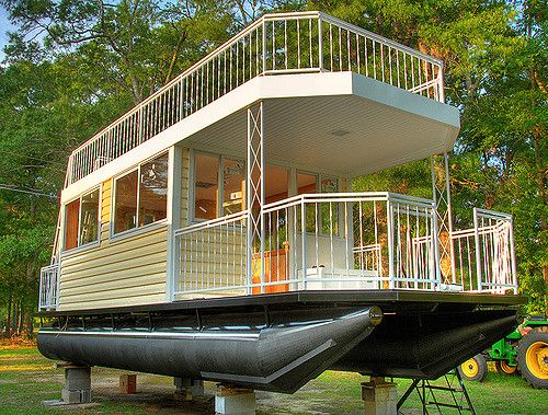 Houseboat Under Construction Floating House Water House