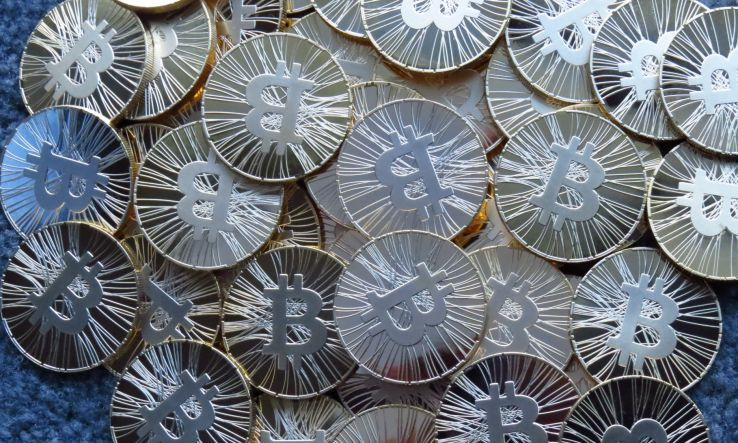 Bitcoin is back! Or at least, there are positive signs indicating that bitcoin might not be as dead as everybody thought. Bitcoins are now trading at $547.40..