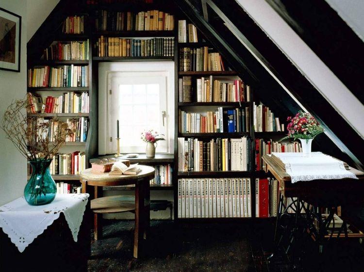 Bücherregal Klassisch klassische bibliothek unter der dachschräge flur renovieren