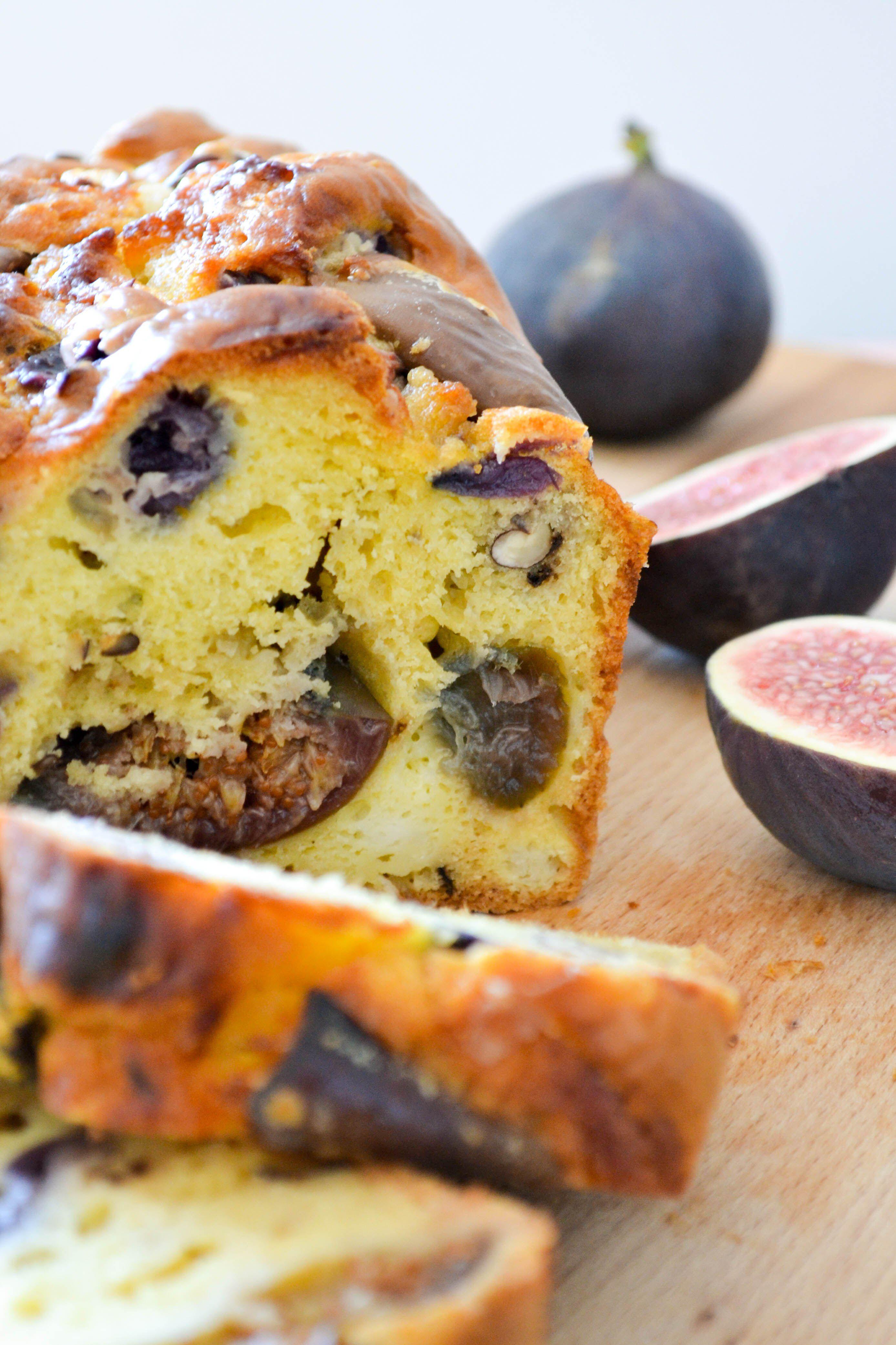 Cake aux figues rôties, chèvre et raisin noir!