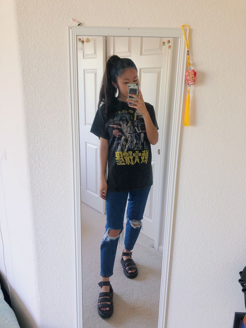 Graphic Tee Brandy Melville Ripped Mom Jeans Pacsun
