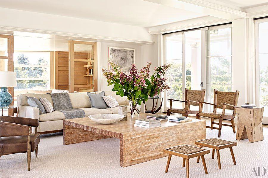 A long island beach house embraces shingle style living - Living room furniture long island ...