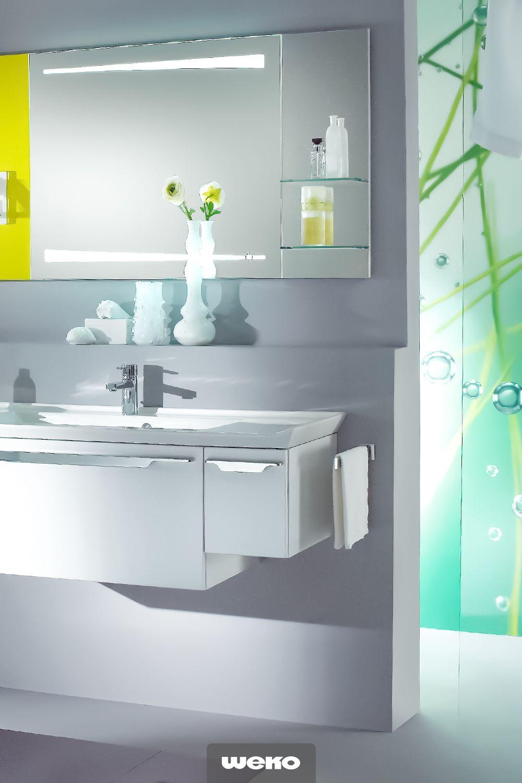 Helles Grun Ist Jung Und Naturlich Und Verleiht Eine Frische Ausstrahlung Bad Badezimmer Wohnidee Badezimmermob Badezimmer Mobel Spiegelschrank Badezimmer