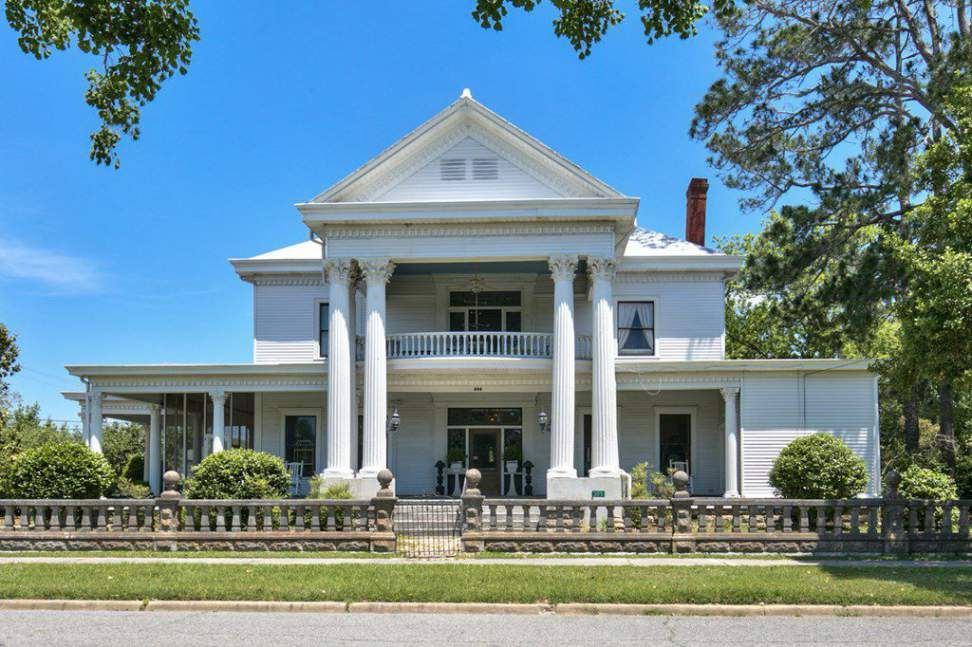 1890 Classical Revival Moultrie Ga Historic Homes Old House Dreams House