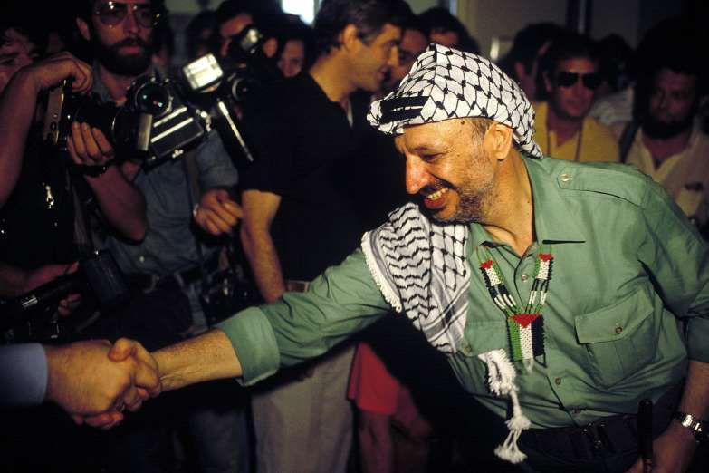 August 30 1982 Yasser Arafat Is Forced Out Of Lebanon Following The Israeli Invasion Of Lebanon Palestine Liberatio Yasser Arafat Today In History Photo