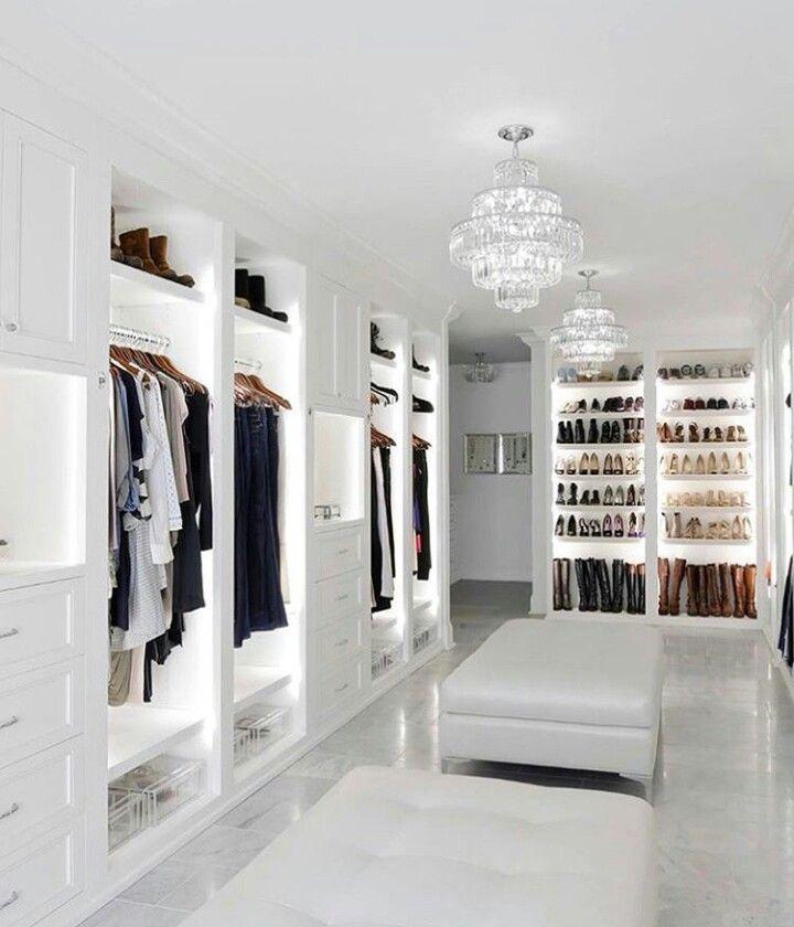 Begehbarer Kleiderschrank, weiße Garderobe Inspiration #begehbarer #garderobe