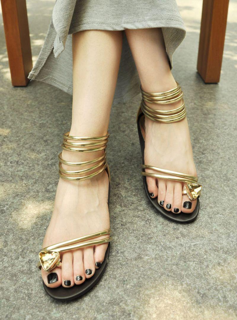 AIFEER summer new large diamond set in Rome shiny bling toe square heel low heel sandals special - ZZKKO http://zzkko.com/n145086 $ 43.32 USD