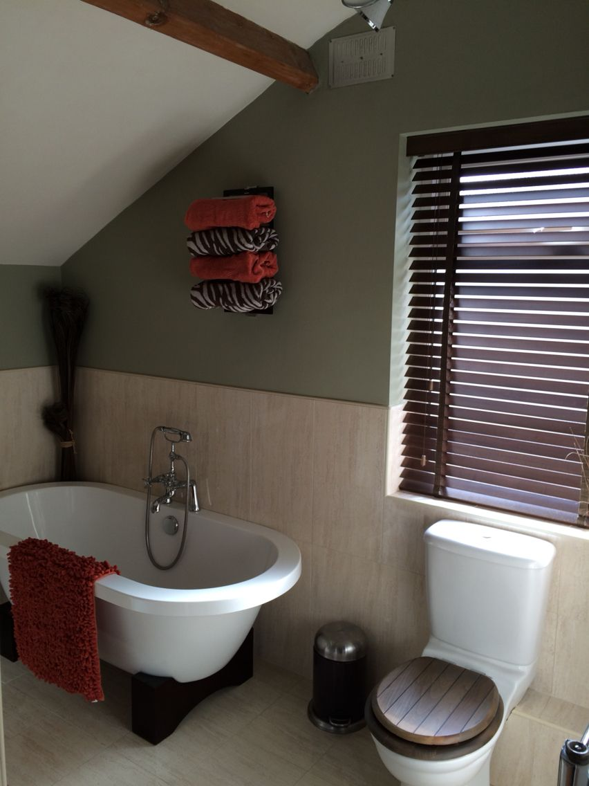 Dulux bathroom ideas - Roll Top Bath Victorian Terrace Wall Colour Dulux Overtly Olive