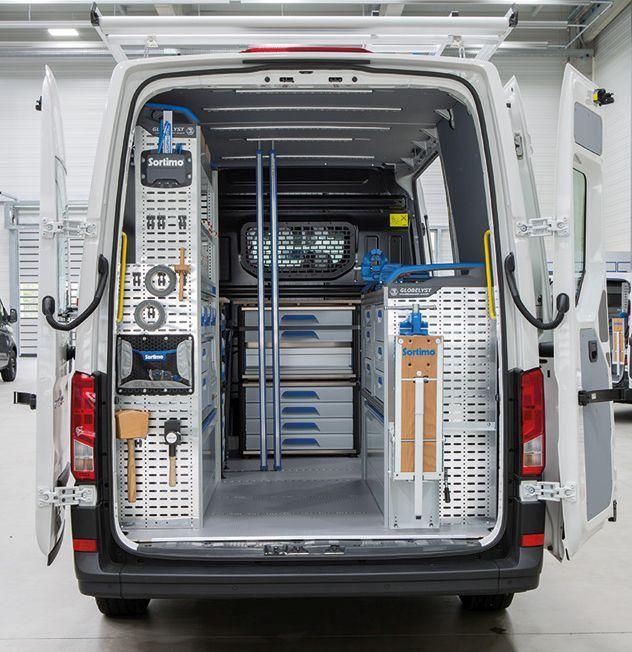 In den neuen Crafter von VW hat Sortimo zwei Globelyst ...