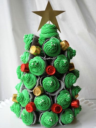 Impress Your Guests With These 12 Christmas Tree-Shaped Apps and