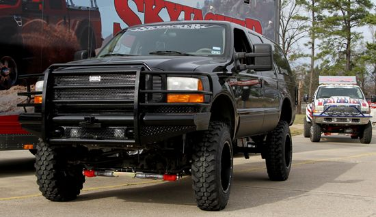 Skyjacker installed a dual steering stabilizer kit for