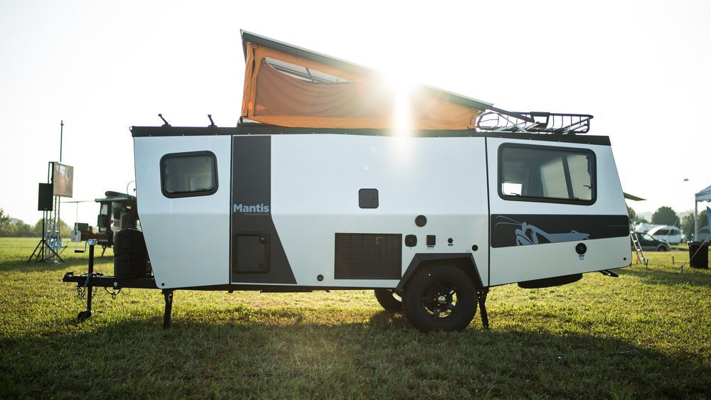 Compact Trailer Can Sleep 4 And Fit In Your Garage Lightweight