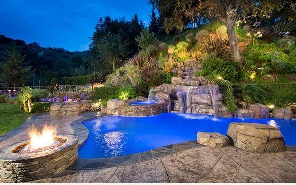 Award Winning #Pool, #Arizona, #Spa, #Landscape, #Design #Stone - eine feuerstelle am pool