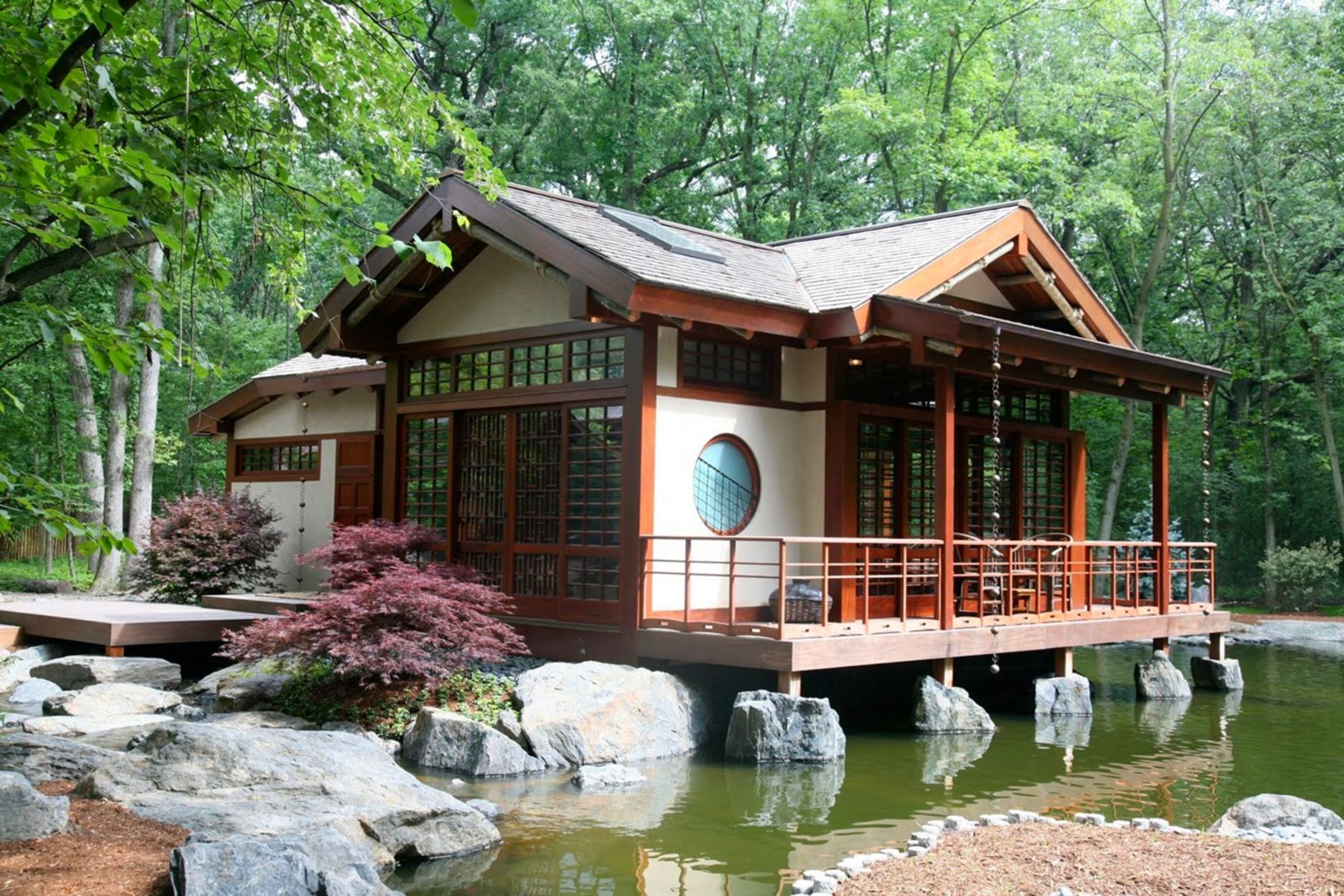 20 Gorgeous Japanese Home Exterior Design Ideas For Cozy Living Stay Traditional Japanese House Japanese Style House Japanese House