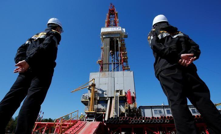 Russia resumes oil shipments to Cuba, helps fill Venezuelan breach - oil field resume