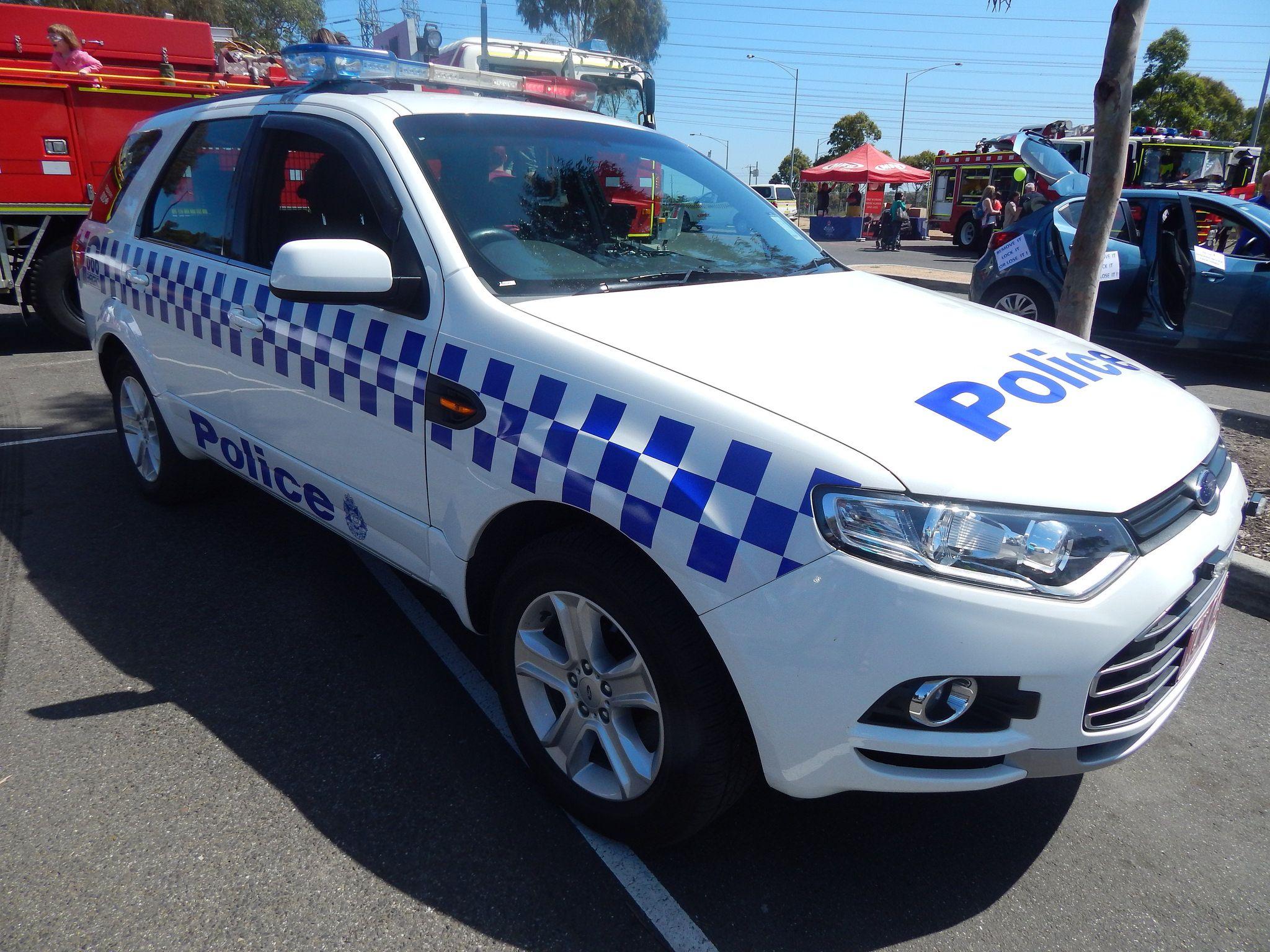 https//flic.kr/p/zCE5Ws Melbourne Victoria Police Ford