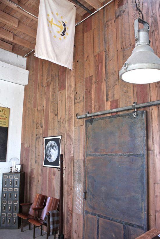 New Brick And Mortar Union Wood Supply Co Porte Coulissante Maison Idees Pour La Maison