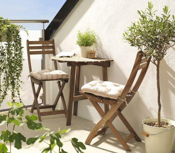 9 Ideas Para Colocar Una Mesa Plegable En Tu Pequeña Terraza