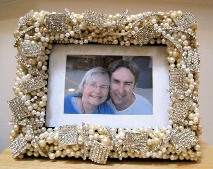 decorated frames with vintage jewelry   Frame covered in vintage ...