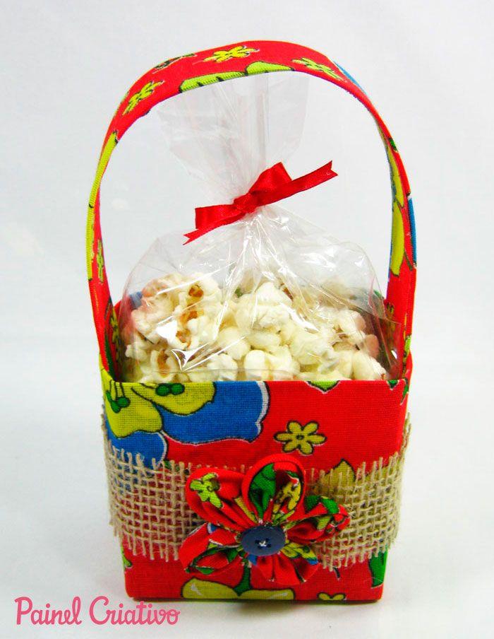 passo a passo lembrancinha festa junina cestinha porta guloseimas  reciclagem caixinha leite chita (1) bedb6cf8165