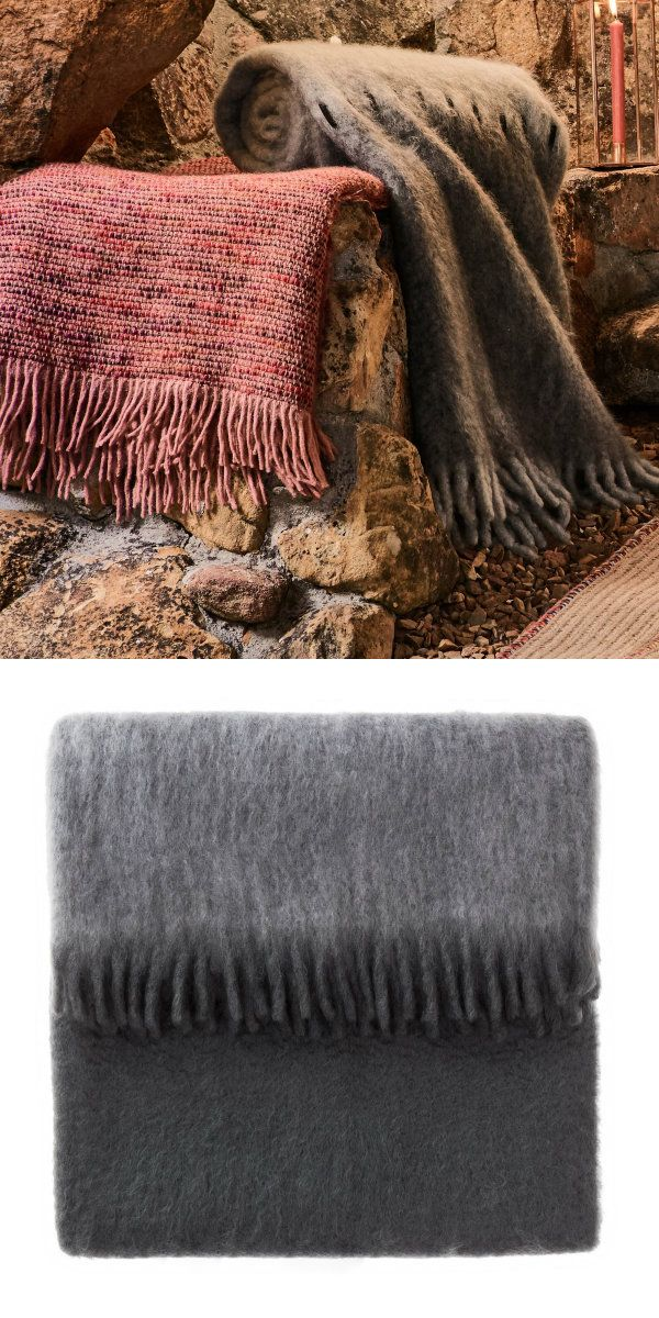 Für unsere wunderschöne Mohairdecke Carmona verarbeiten unsere Partner in Spanien feines Mohair und stabilisierende Wolle zu einem Design, das hohen Ansprüchen gerecht wird. Die dicke Textur ist weich auf der Haut und hält angenehm warm, während Ziernähte aus Wildleder der Decke besondere Eleganz verleihen.