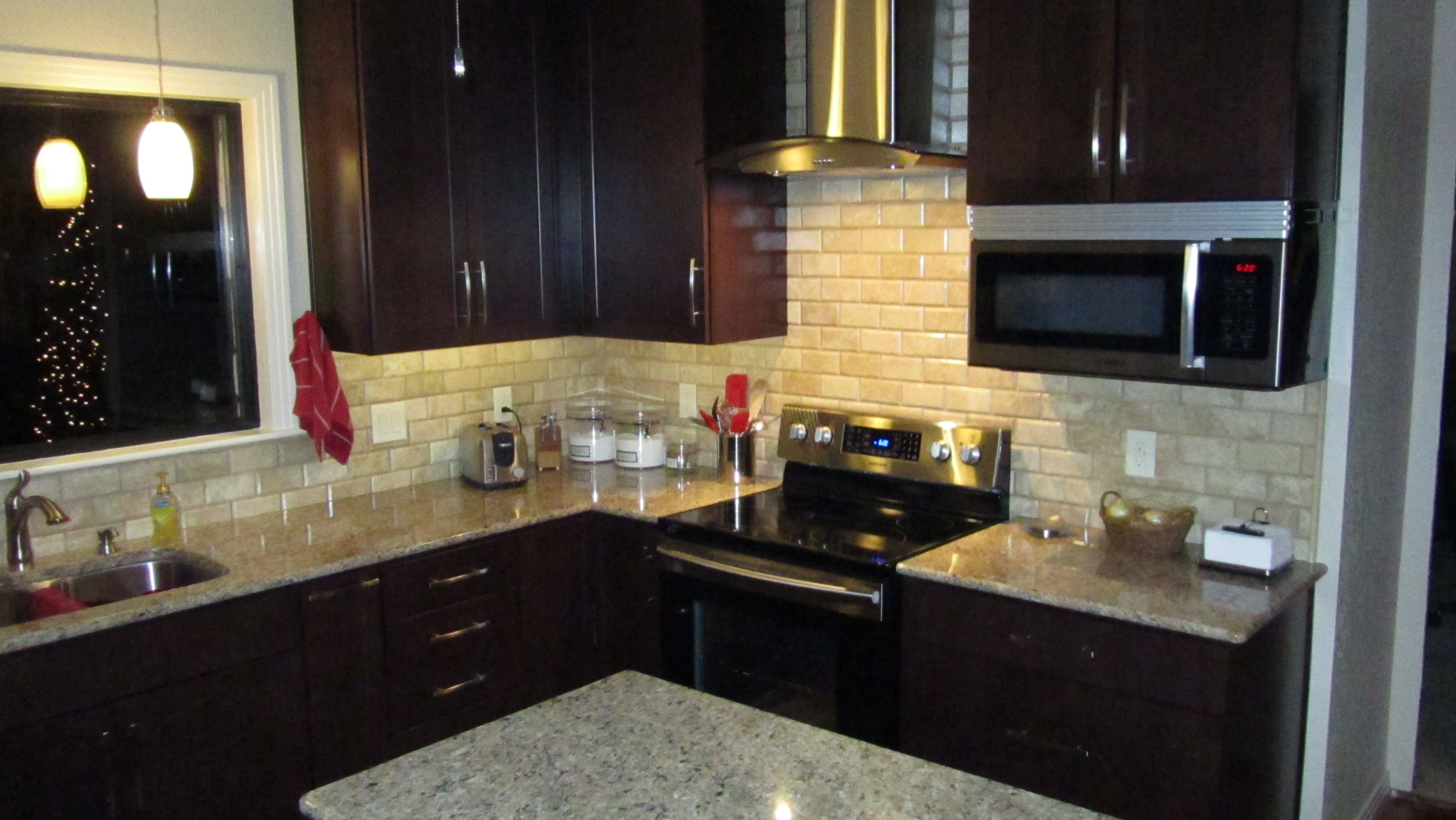 Lowes espresso kitchen cabinets - The Cabinets Are Shenandoah Breckenridge Cherry Bordeaux The Granite Is New Venetian Gold Both