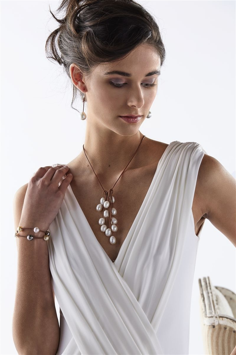 Parasol Twelve Freshwater Necklace White Pearls