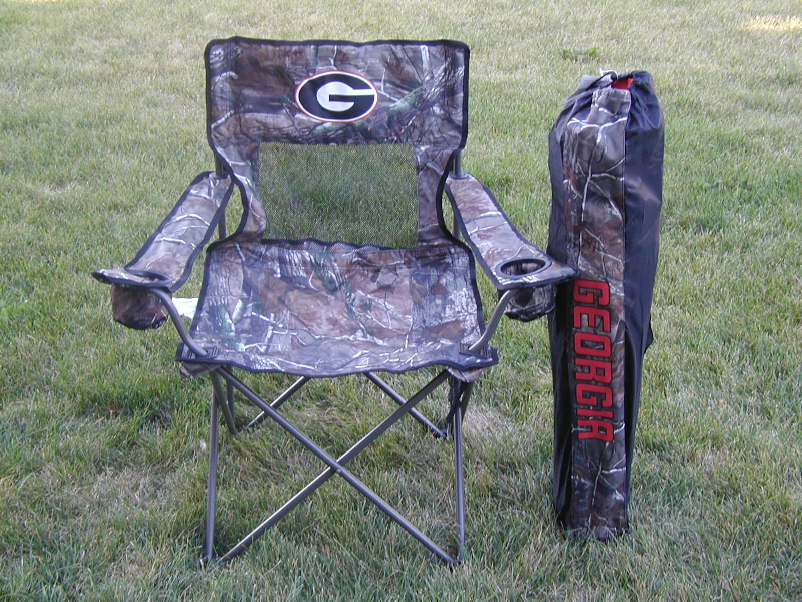 Georgia Bulldogs Real Tree Camo Tailgating Chair