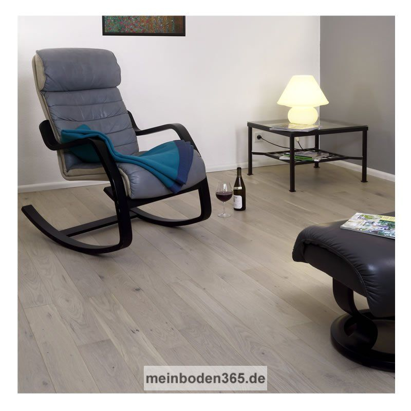 eiche roussillon das parkett ist ein 3 schicht fertigparkett als kurze landhausdiele in der. Black Bedroom Furniture Sets. Home Design Ideas