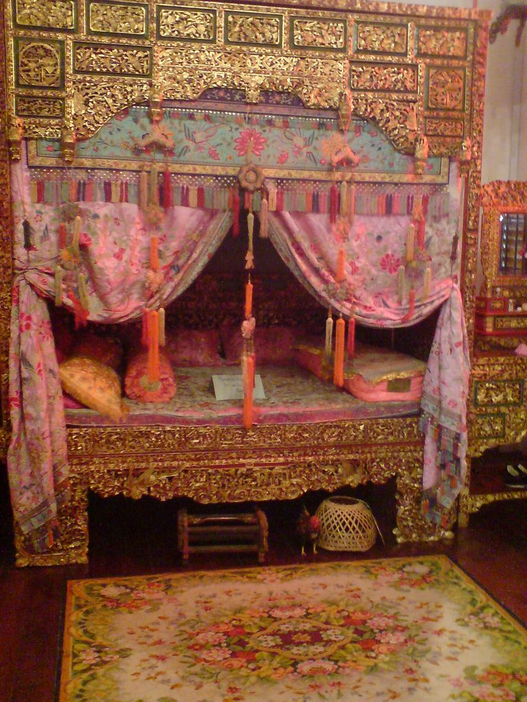 Antique Bed: First Generation Chinese Wedding Bed Inside Peranakan