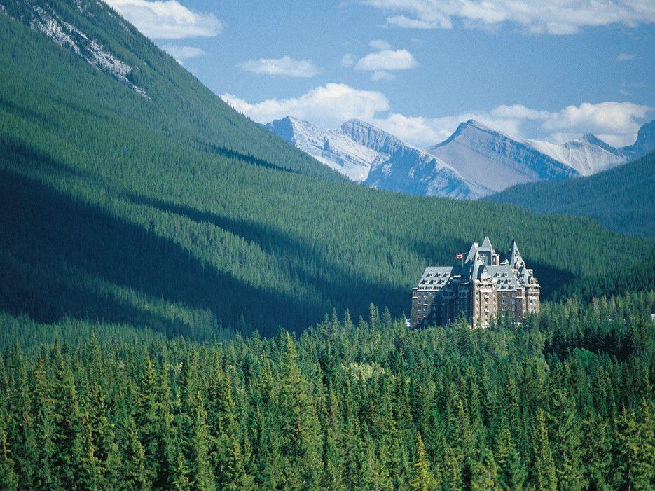 10 Creepy Haunted Hotels Around The World Fairmont Banff Springs Fairmont Banff Banff Springs
