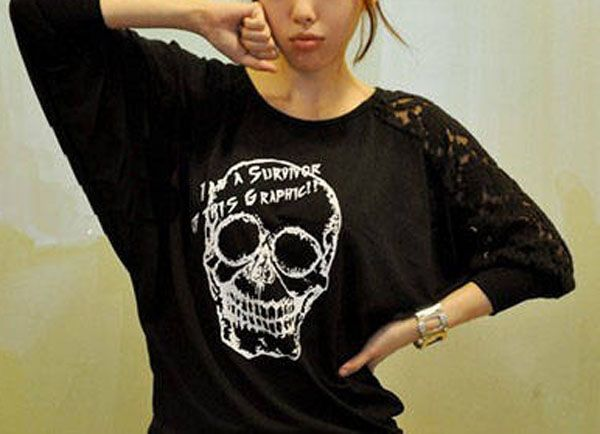 Skull Impress Lace Sleeved T-shirt