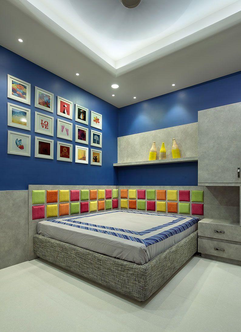 Boy S Bedroom With A Corner Bed Traditionalinteriorstyle In 2020 Ceiling Design Bedroom Bedroom False Ceiling Design Master Bedroom Interior