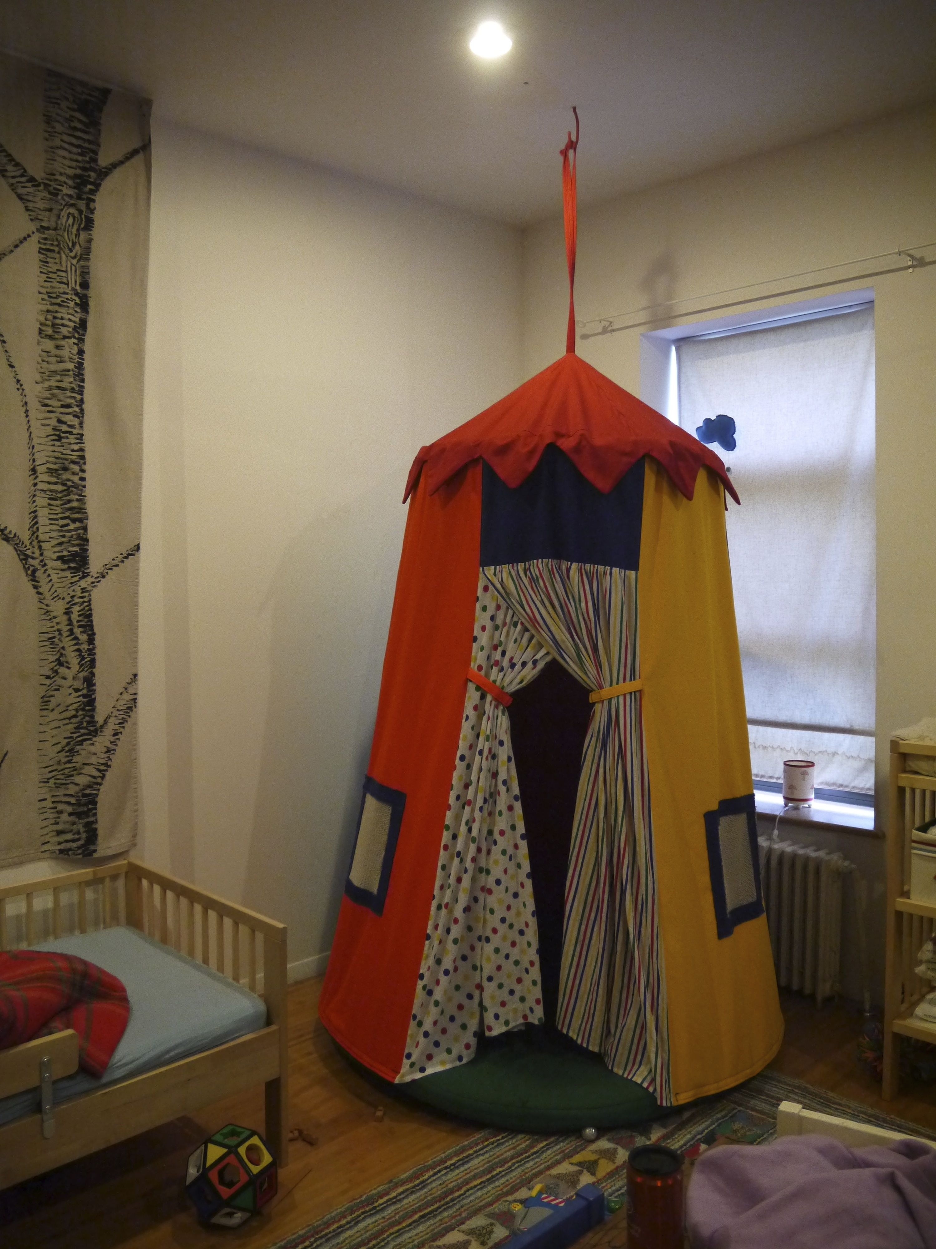 circus tent made from light weight colored canvas from McCallu0027s pattern M5827 & circus tent made from light weight colored canvas from McCallu0027s ...