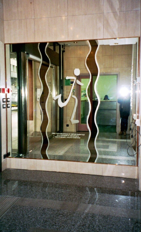 Atelier Du Luminaire Toulouse miroir gravé et sablé hall d'entrée direction régionale