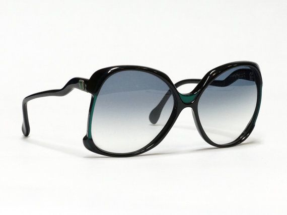 Oversized vintage sunglasses by Molyneux - in black and green, made in France
