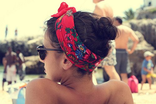 how to wear a bandana at the beach