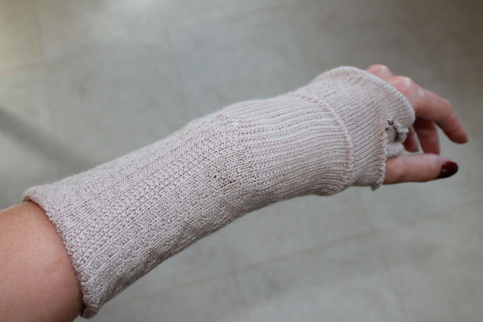 Fingerless gloves diy - Dear Little Sister Super Easy Diy Fingerless Gloves Aka Splint Covers