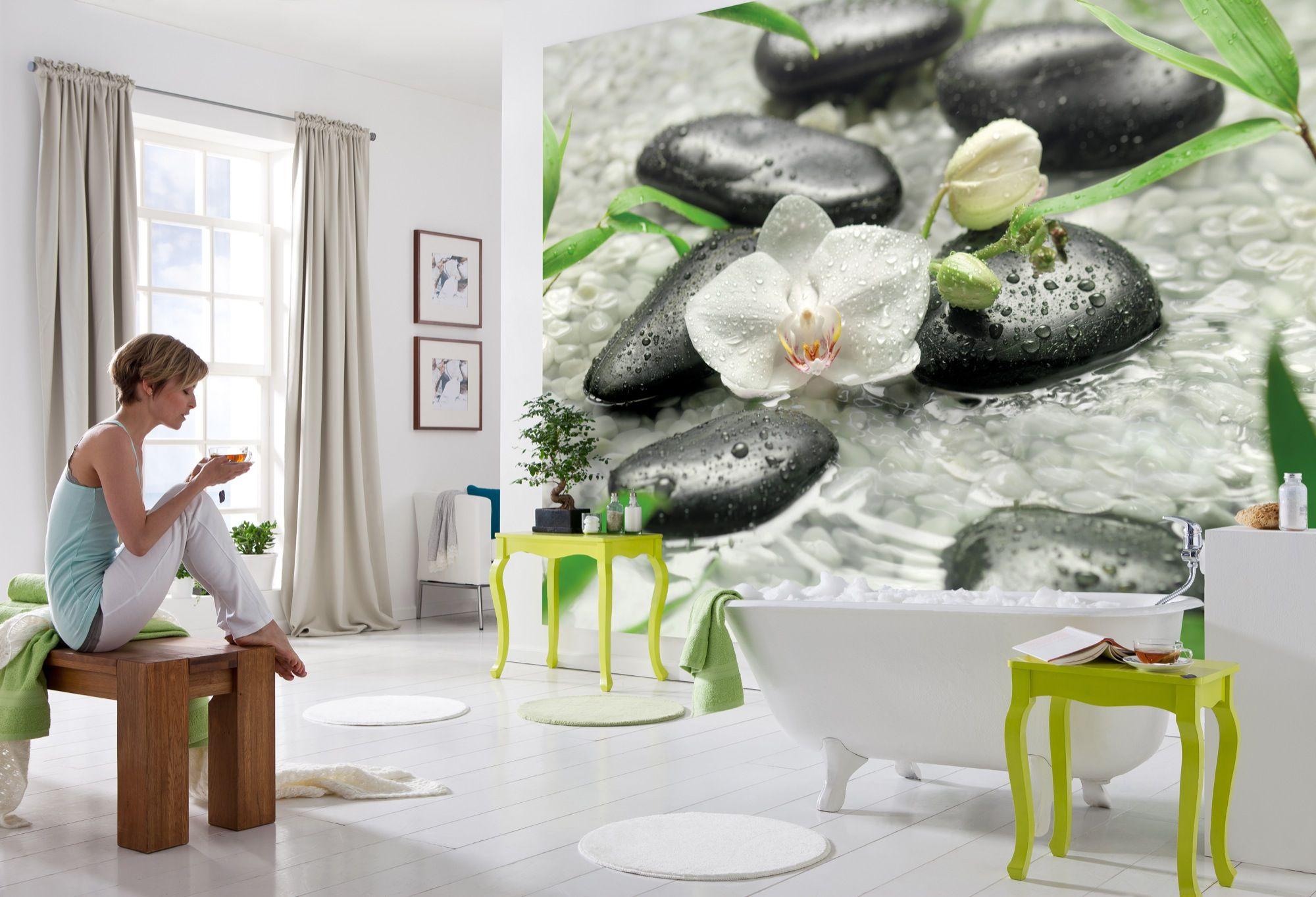 Weiße Orchideen, erfrischend zart und zugleich kraftvoll energetisch. Wellness für die Wohnung. / 8-319 Pure