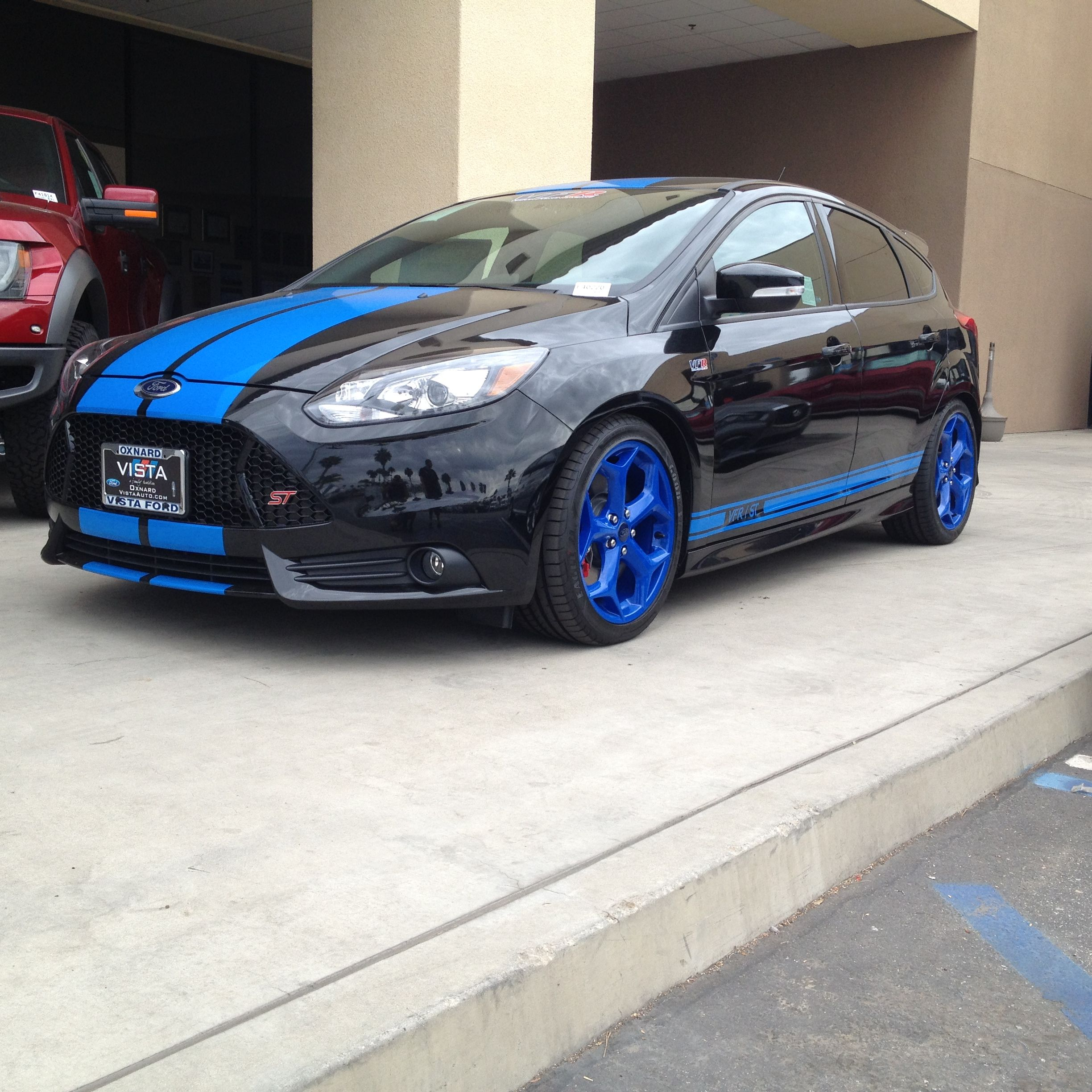 Ford Focus With Blue Vinyl Racing Stripes