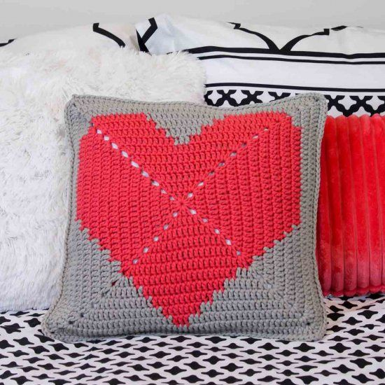 House or Dorm-Warming Free Crochet Pillow Pattern | Proyectos de ...