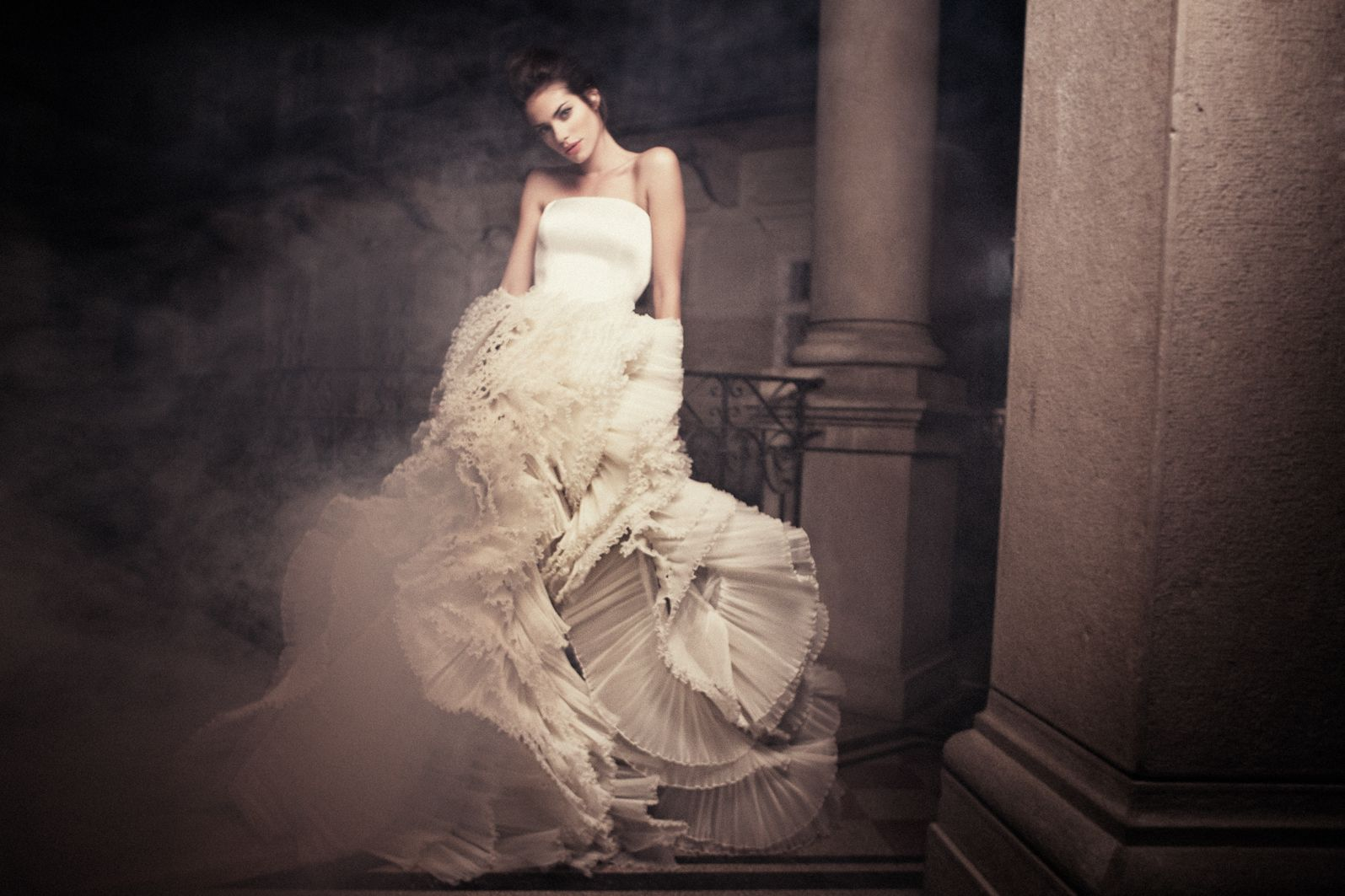 Daalarna wedding dresses and evening gowns of fashion designer