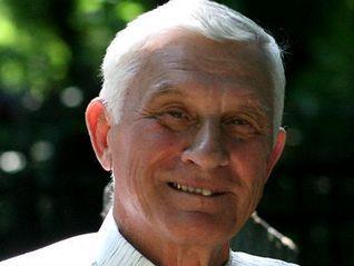 Анатолий Сурков